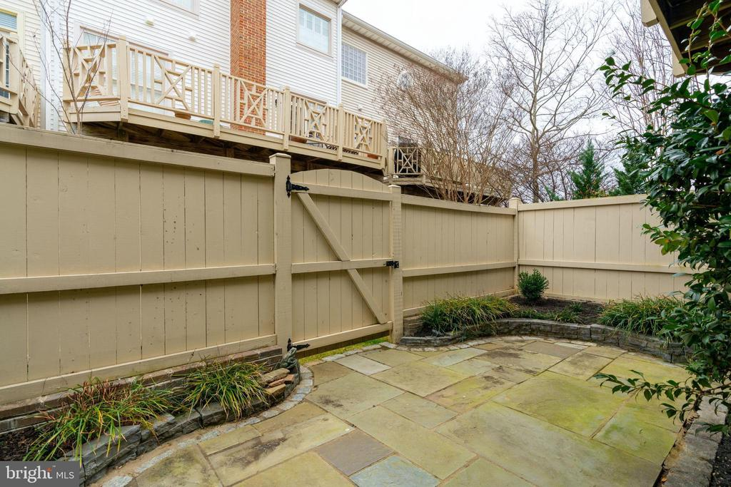 Patio - 10502 CATESBY ROW, FAIRFAX
