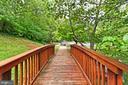 Walking trails! - 8380 GREENSBORO DR #1017, MCLEAN