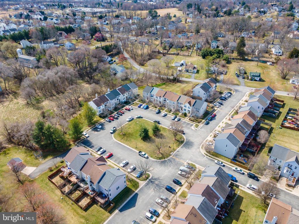 - 205 HEATON CT, PURCELLVILLE