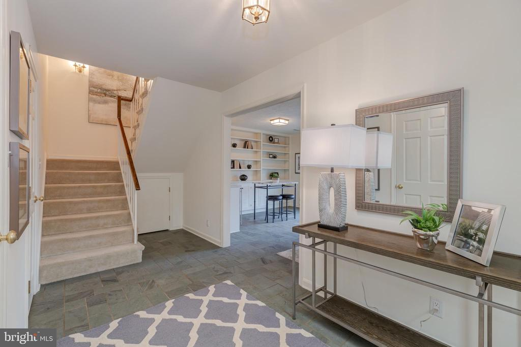 Entry foyer with slate flooring - 4741 23RD ST N, ARLINGTON