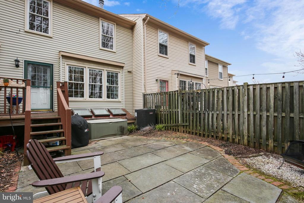 Private backyard oasis with flagstone patio - 10828 DOUGLAS AVE, SILVER SPRING