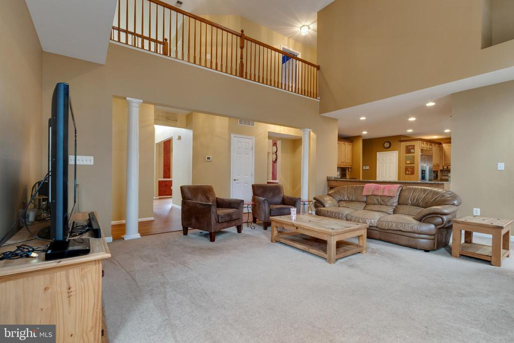 Family Room opens into kitchen - 15230 BOWMANS FOLLY DR, MANASSAS