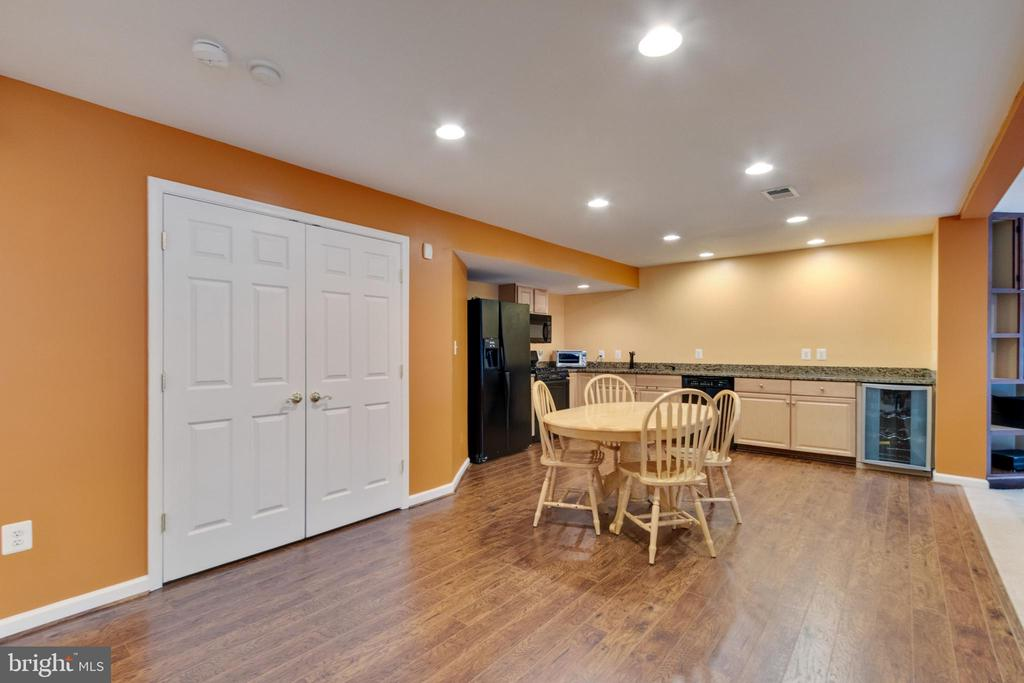 Large eating area in second kitchen - 15230 BOWMANS FOLLY DR, MANASSAS