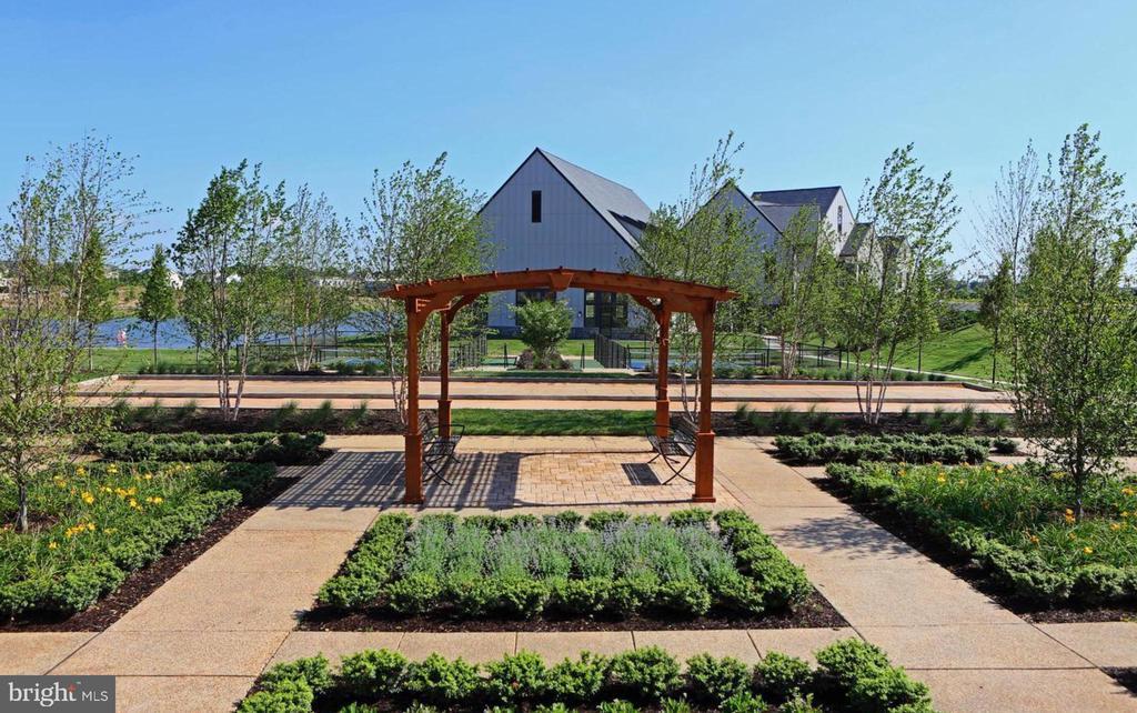 Community garden - 42897 BEAVER CROSSING SQ, ASHBURN