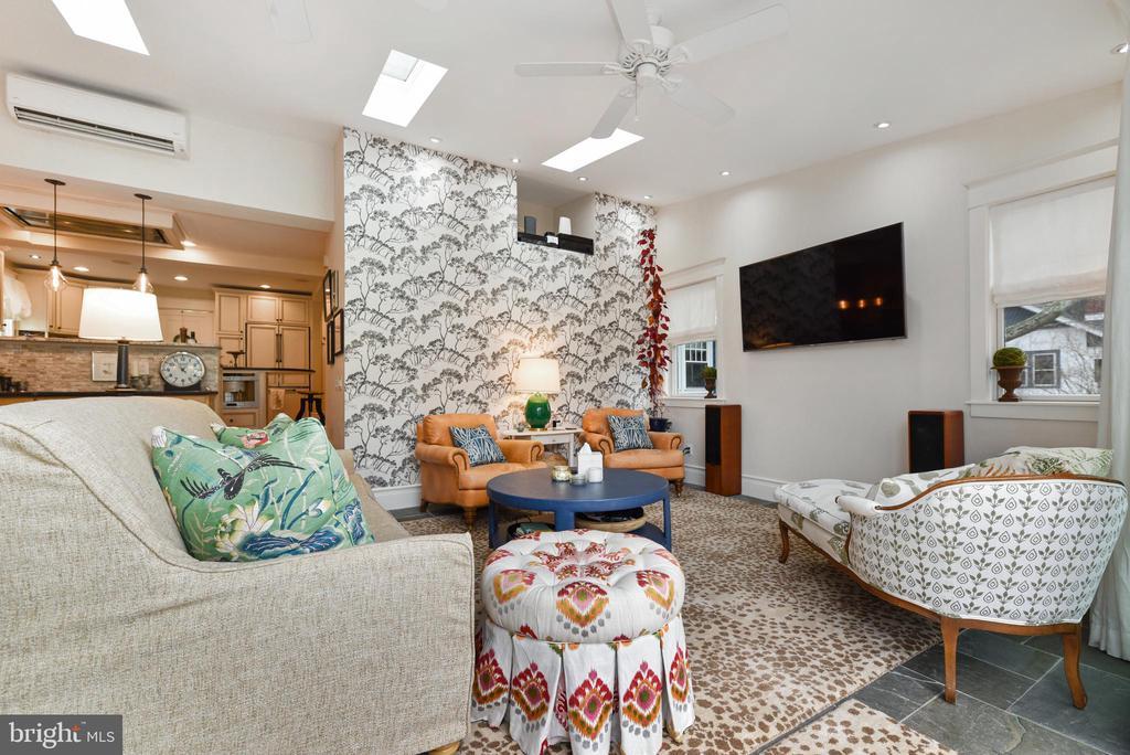 Family Room - 755 GRACE ST, HERNDON