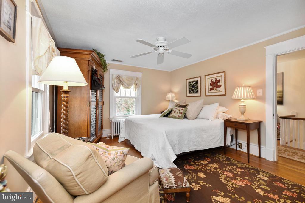 Master Bedroom - 755 GRACE ST, HERNDON