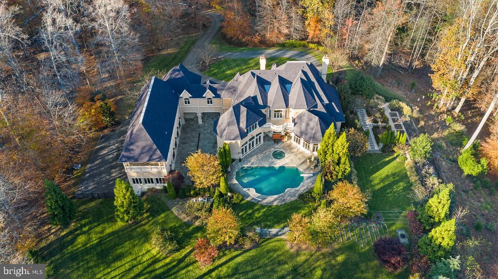 Aerial view of the property - 9211 BLACK RIFFLES CT, GREAT FALLS