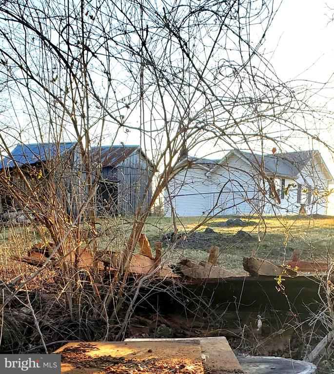 view of the back of property - 1660 KIMBLE RD, BERRYVILLE