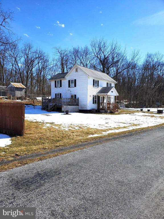 view  of farm house & road frontage - 1660 KIMBLE RD, BERRYVILLE