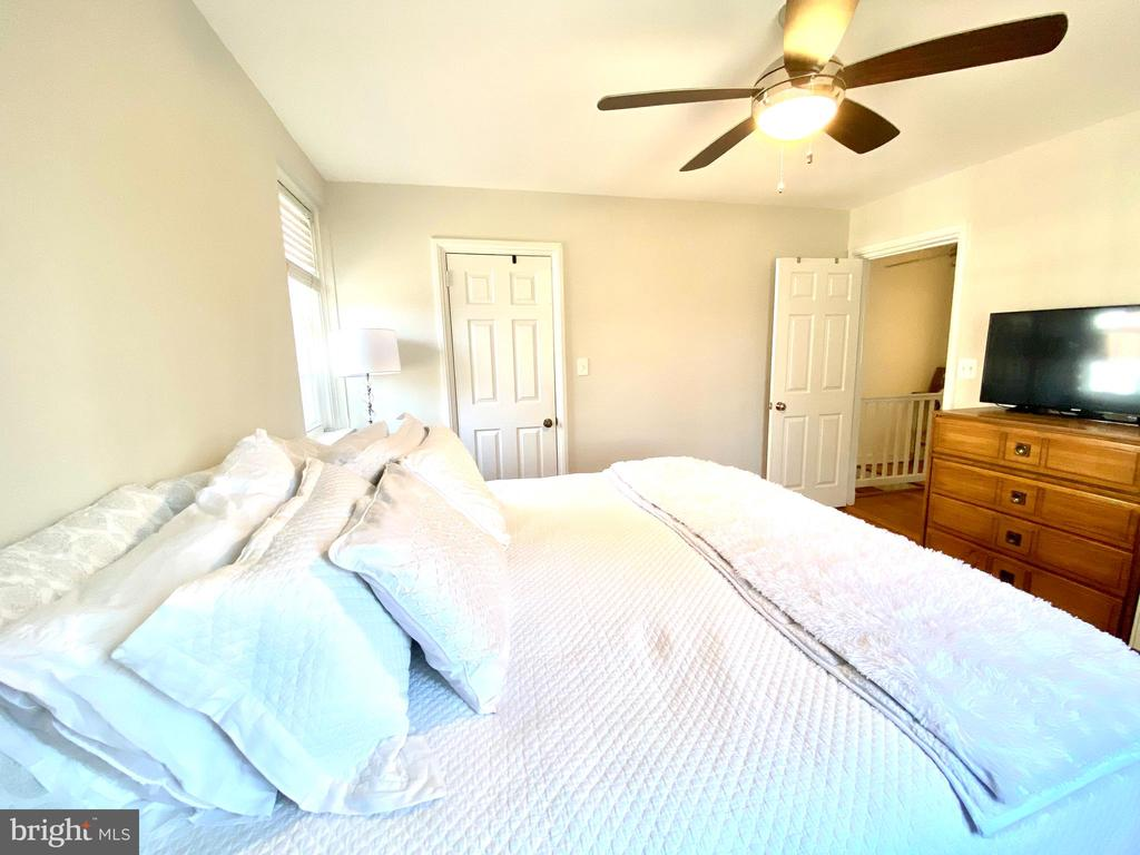 Master With Ceiling Fan - 2812 S COLUMBUS ST, ARLINGTON