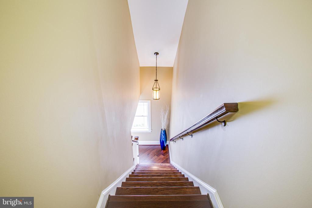 Stairway to Bonus Room - 208 LIMESTONE LN, LOCUST GROVE
