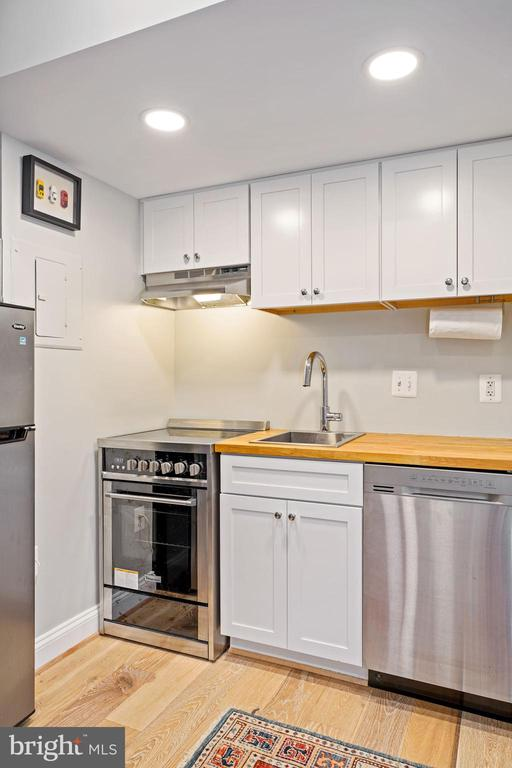 Kitchen (2 of 2) - 1701 16TH ST NW #318, WASHINGTON