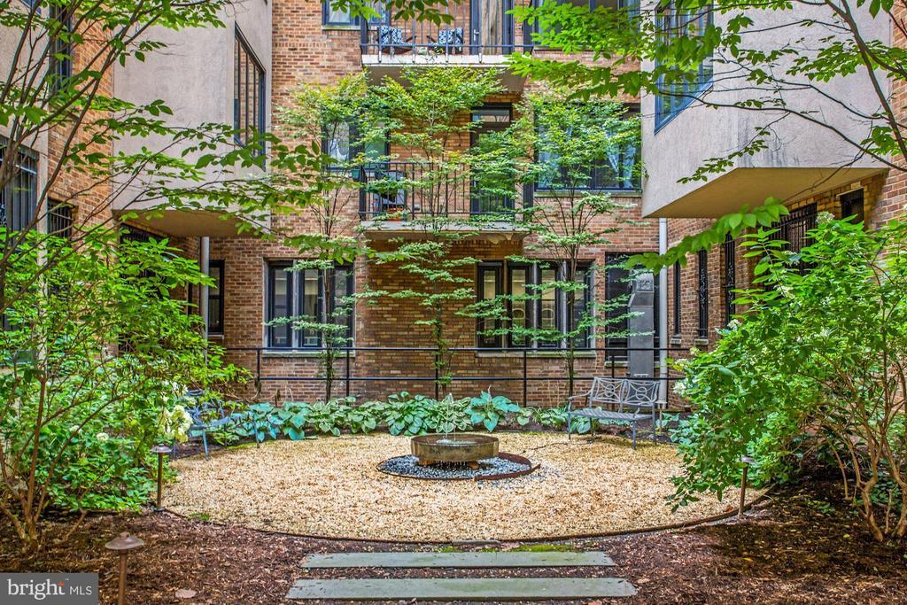 Courtyard (2 of 3) - 1701 16TH ST NW #318, WASHINGTON