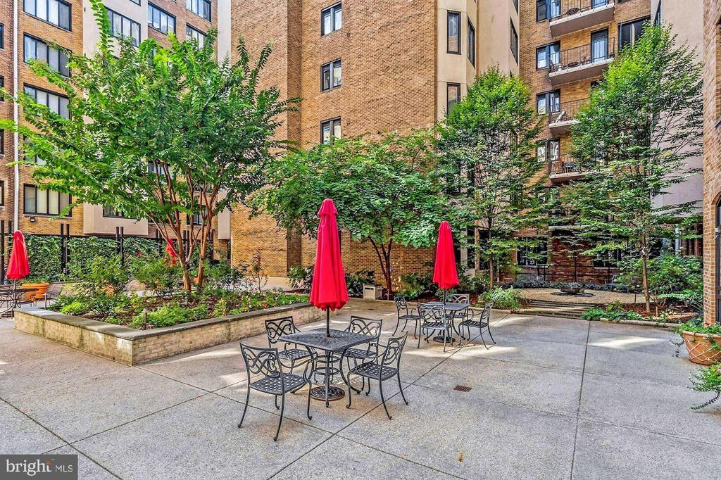 Courtyard (3 of 3) - 1701 16TH ST NW #318, WASHINGTON