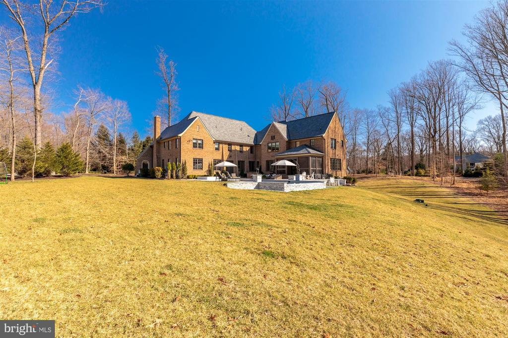 2.29 bucolic acres with truly beautiful vistas - 7720-A GEORGETOWN PIKE, MCLEAN