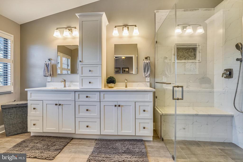 Glass shower & luxury all the way. - 4124 TROWBRIDGE ST, FAIRFAX