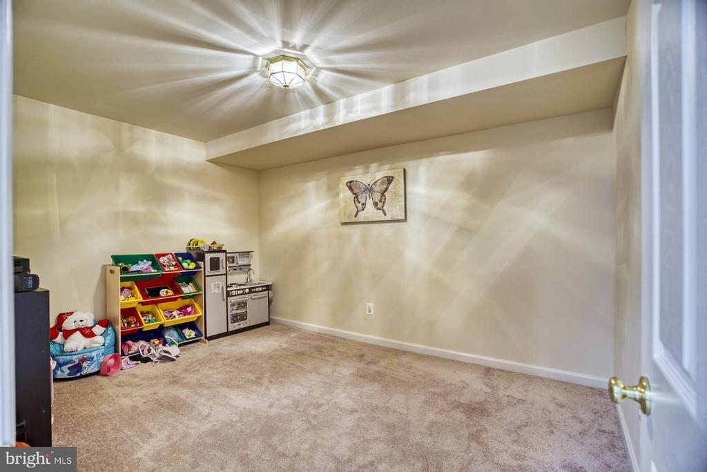 Separate Playroom - 10855 HUNTER GATE WAY, RESTON