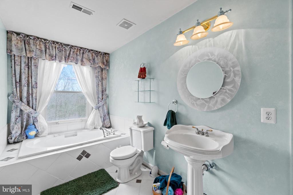 Bathroom 2 - 39 BETHANY WAY, FREDERICKSBURG