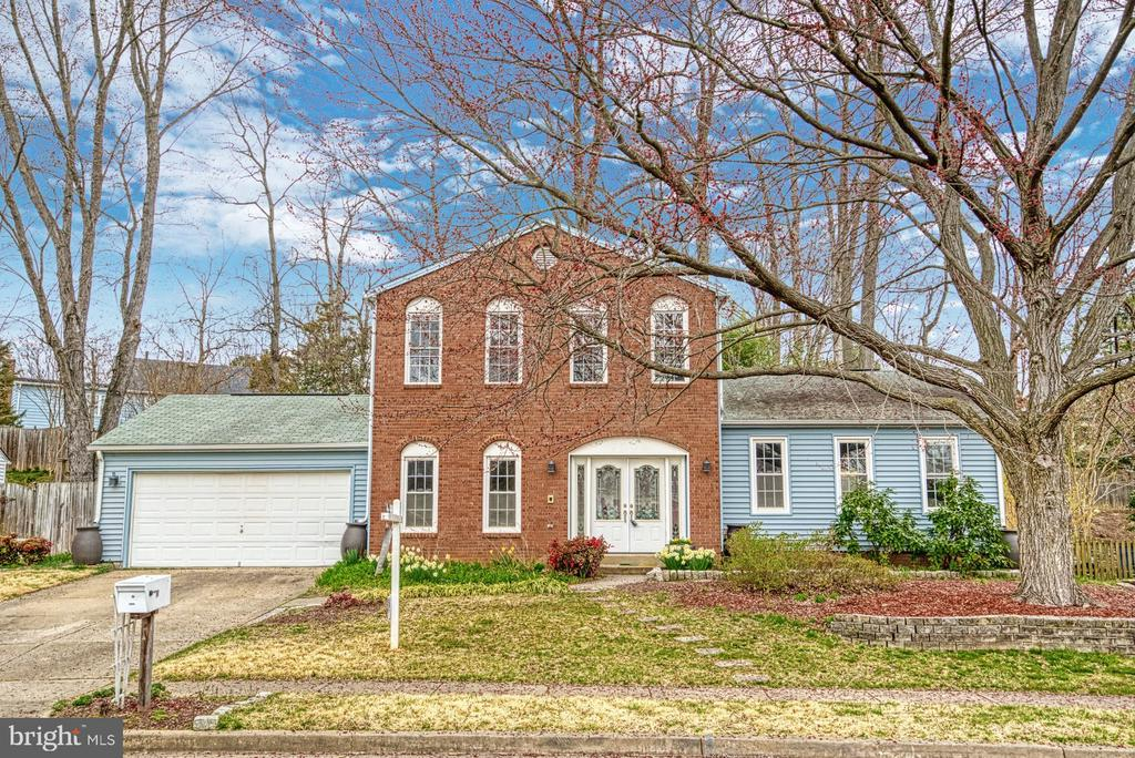Over 2850 sq ft - 7804 ATTLEBORO DR, SPRINGFIELD