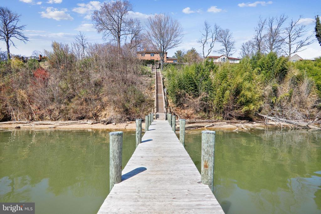 Newer dock, and durable composite stairs - 3903 BELLE RIVE TER, ALEXANDRIA