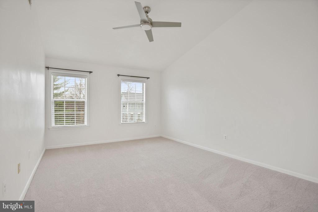 Owner's suite - 1510 MEADOW CHASE DR, HERNDON