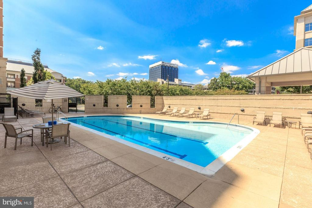 The Mercer pool - 11760 SUNRISE VALLEY DR #1004, RESTON