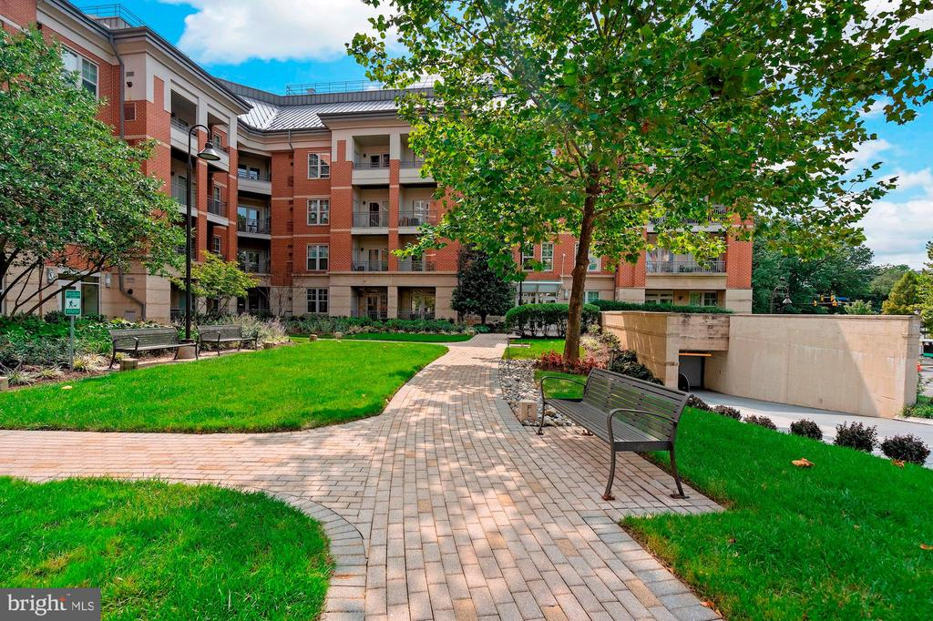 walkway - 11760 SUNRISE VALLEY DR #1004, RESTON