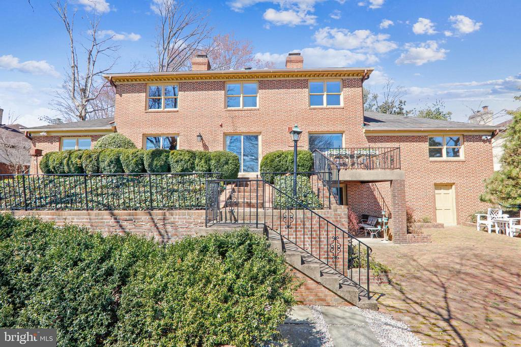 Charming two tiered back patio - 3903 BELLE RIVE TER, ALEXANDRIA