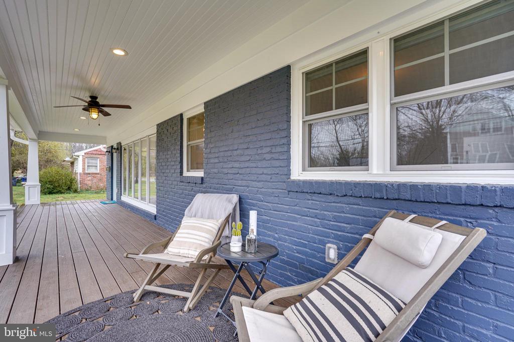 Front porch - 1605 BALTIMORE RD, ALEXANDRIA