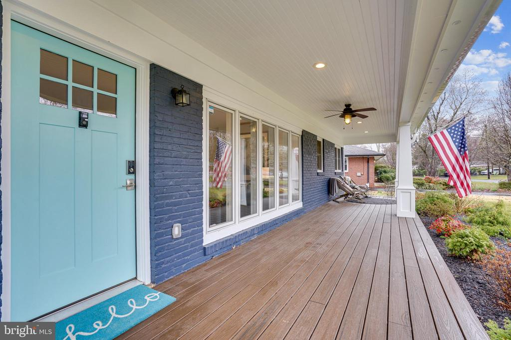 Relax on your front porch - 1605 BALTIMORE RD, ALEXANDRIA