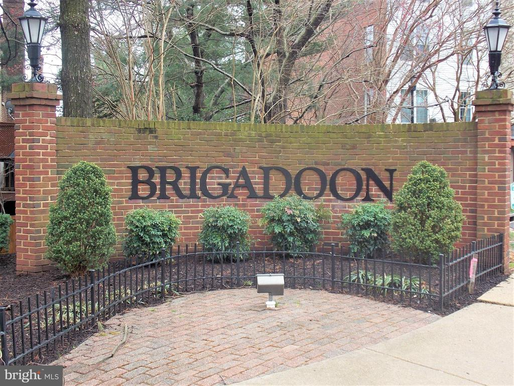 Brigadoon Community, entrance to neighborhood - 123 GRETNA GREEN CT, ALEXANDRIA