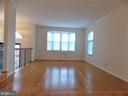 Large Living Room, hardwood floors with bay window - 123 GRETNA GREEN CT, ALEXANDRIA