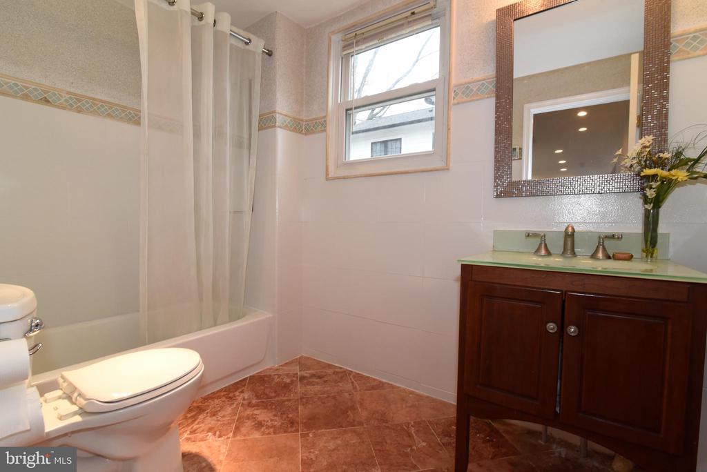 Bathroom 3 w/ heated floor - 4624 13TH ST N, ARLINGTON