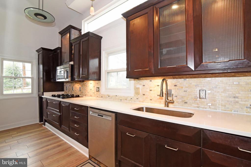 Kitchen - 4624 13TH ST N, ARLINGTON