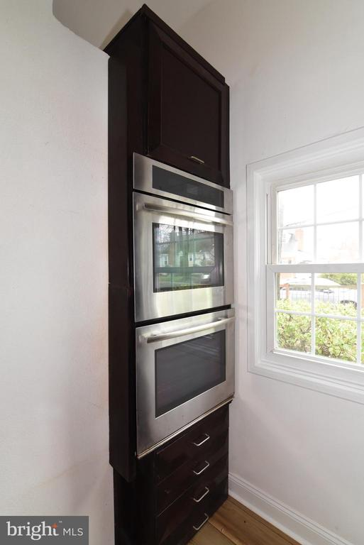 Kitchen Double Ovens - 4624 13TH ST N, ARLINGTON