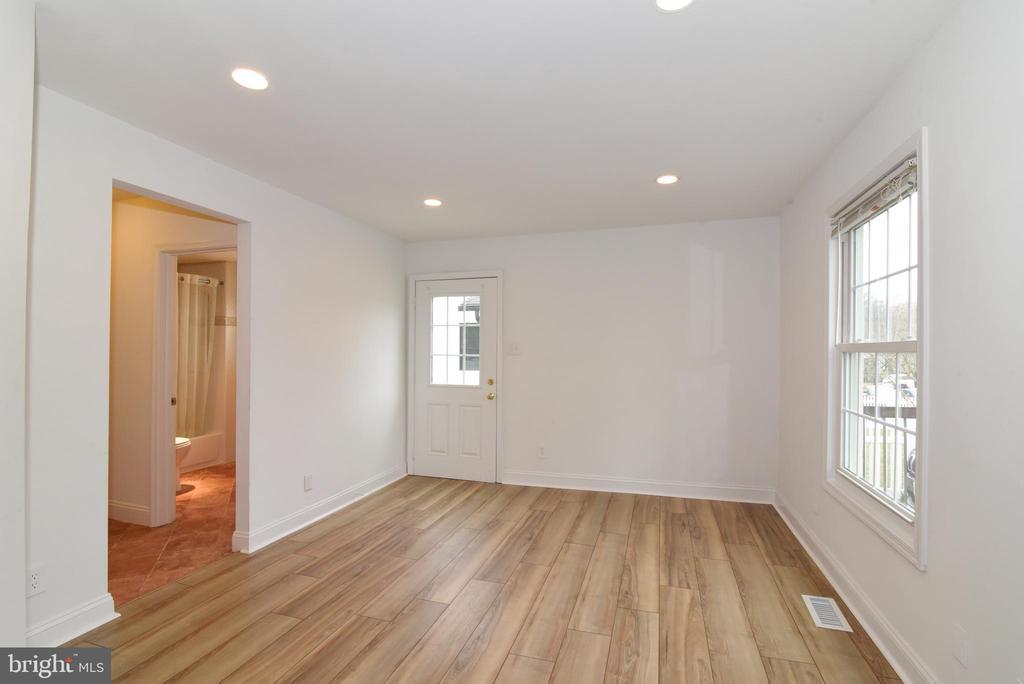 Living Room - 4624 13TH ST N, ARLINGTON
