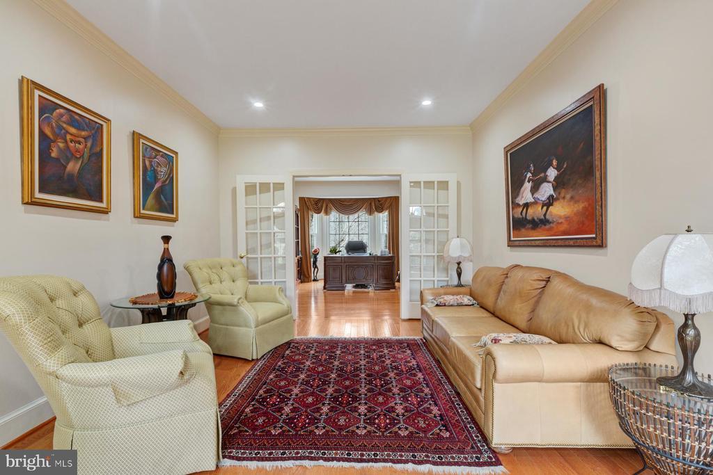 Living room - 5722 WINDSOR GATE LN, FAIRFAX