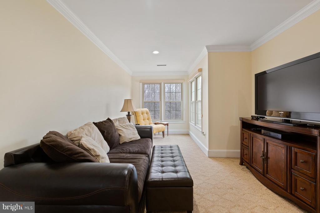 Sitting Room - MBR - 5722 WINDSOR GATE LN, FAIRFAX