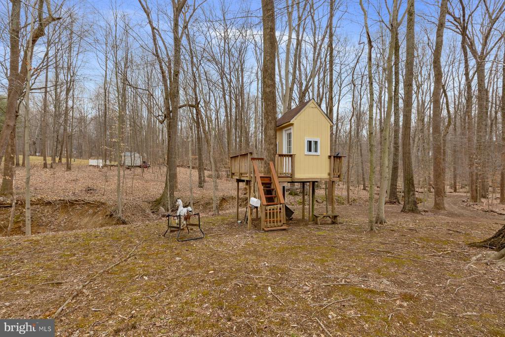 Custom Built  Tree House - 5722 WINDSOR GATE LN, FAIRFAX