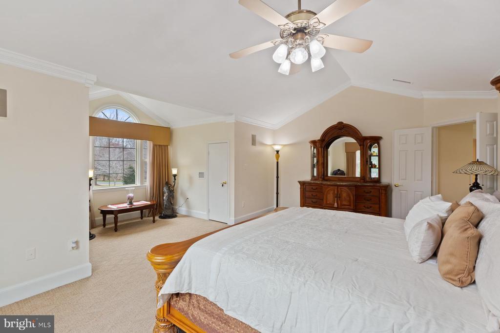 Master Bedroom - View#2 - 5722 WINDSOR GATE LN, FAIRFAX