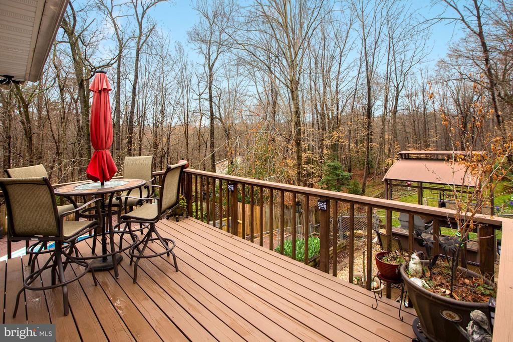 Deck off the Sunroom - 10613 PINEVIEW RD, MANASSAS