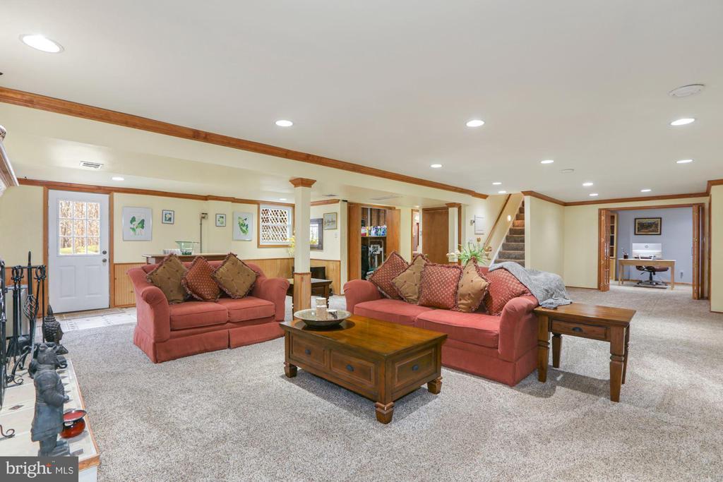 Recreation room with walk out to pool area - 10613 PINEVIEW RD, MANASSAS