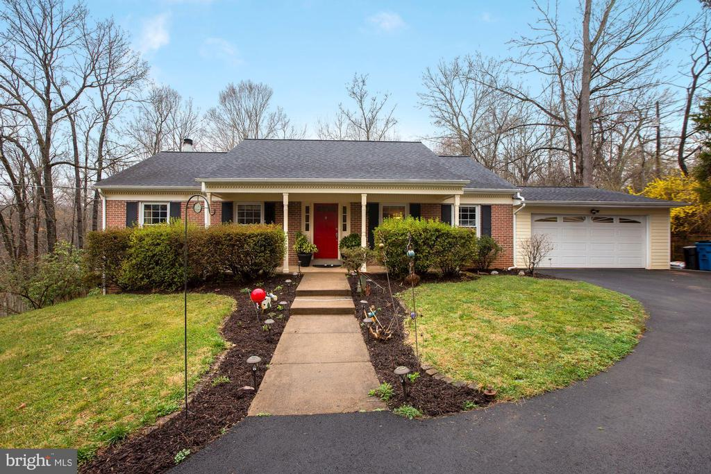 10613 Pineview Road - 10613 PINEVIEW RD, MANASSAS