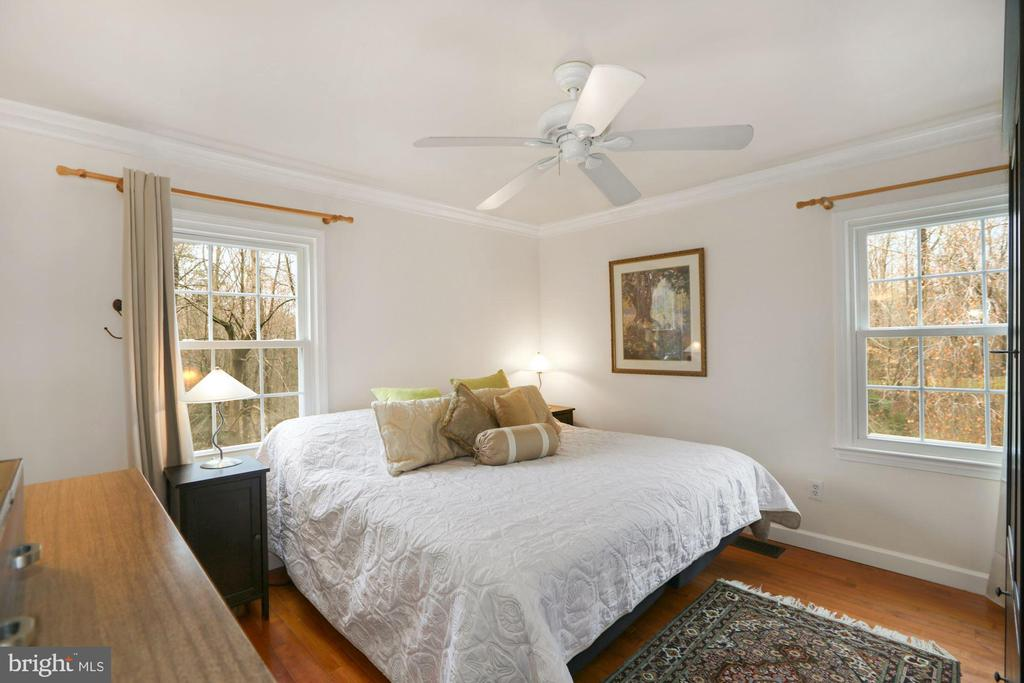 Primary Bedroom on main level - 10613 PINEVIEW RD, MANASSAS