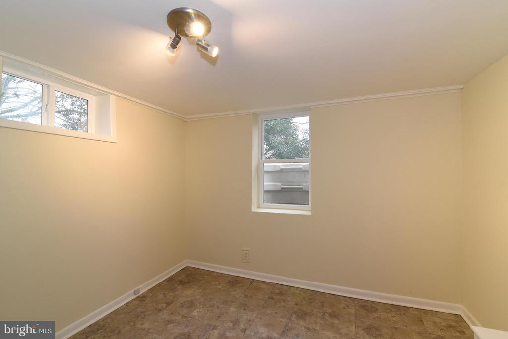 Bedroom 3 - 6306 GENTELE CT, ALEXANDRIA