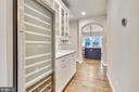 Full size built-in wine cellar - 9524 LEEMAY ST, VIENNA