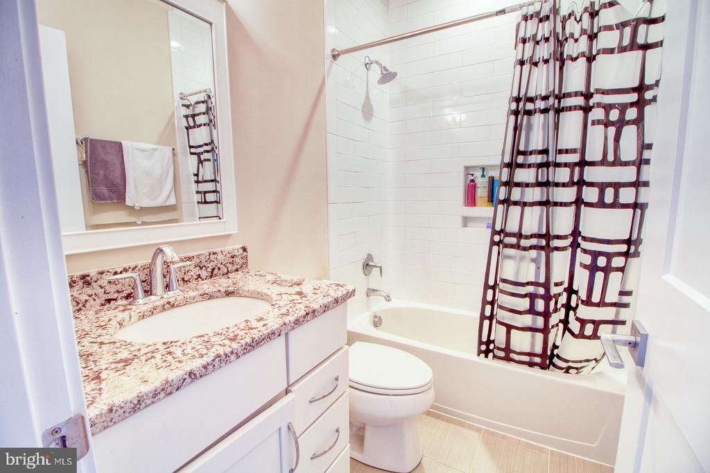 2nd floor bathroom1 - 405 NELSON DR NE, VIENNA