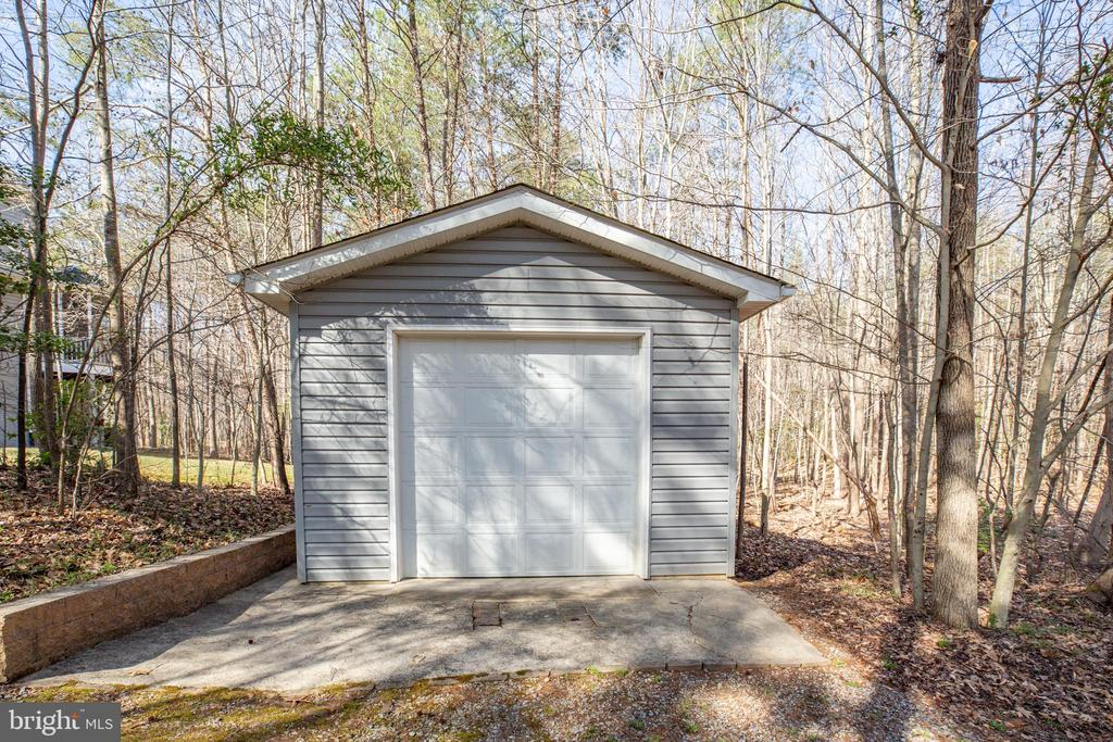 Detached garage - 94 BROOKESMILL LN, STAFFORD
