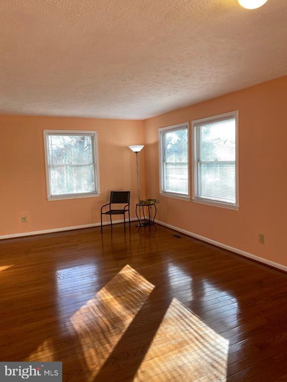 Living Room - 2024 SCHOONER DR, STAFFORD