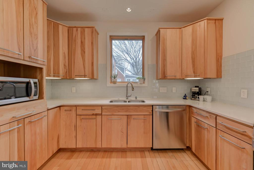 - 127 RITCHIE AVE, SILVER SPRING